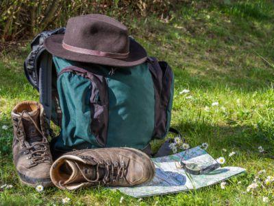 Wanderschuhe und Rucksack, Pixabay